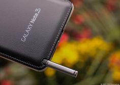 """أطلقت سامسونج مؤخرا الجهاز العملاق جلاكسي نوت 3 """"Samsung Galaxy Note 3"""" الذي يتمتع بأعلى إمكانيات تقدمه الشركة في أجهزتها المحمولة حتى الآن أبرزها تطوير القلم الذكي الخاص بالجهاز الذي يقدم إمكانيات و خيارات رائعة يجب أن تتأكد أنك تستغل كل خاصية منها."""