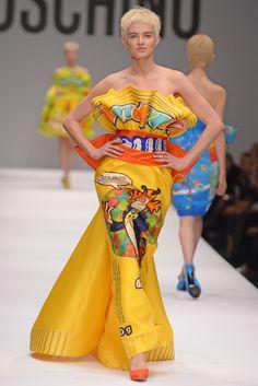 Moschino RTW Fall 2014 - Slideshow - Runway, Fashion Week, Fashion Shows, Reviews and Fashion Images - WWD.com