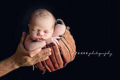 baseball glove.. totally do-able! @brandi DeVault this will be so cute for Tanner!
