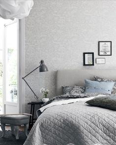 Elegant White Scandinavian Bedroom Design