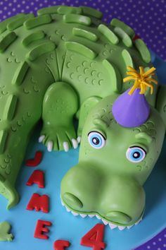 Crocodile cake Cupcakes, Cupcake Cakes, Crocodile Cake, Crocodile Party, Snake Party, Cake Templates, 2 Birthday Cake, Sculpted Cakes, Animal Cakes