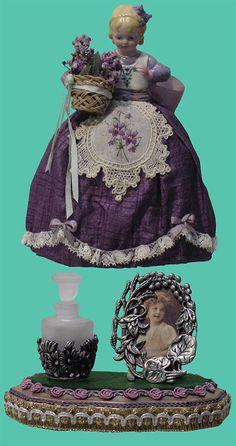 02gm083 - Lavender Girl Cozy Ceramic Art