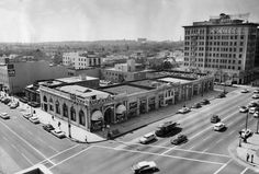 Wilshire & Beverly Drive facing Beverly Wilshire, 1957. Photo compliments of Marc Wanamaker