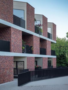 Located in the affluent and desired town of Muswell Hill in North London, a luxurious development has been completed, comprising of 22 new deluxe… Modern Architecture Design, Brick Architecture, Architecture Visualization, Residential Architecture, Building Facade, Building Design, Modern Brick House, Brick Construction, Brick Facade