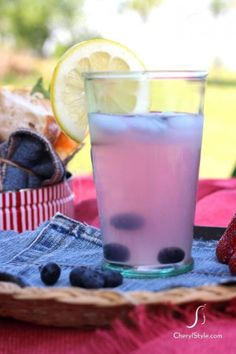 whip up the ultimate summer cooler with this easy-breezy Blueberry Lemonade! #CherylStyle