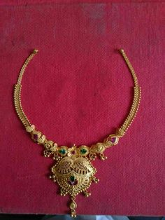 Gold Necklace Simple, Diamond Necklace Set, Gold Jewelry Simple, Gold Rings Jewelry, Gold Jewellery Design, Gold Necklaces, Short Necklace, Gold Jhumka Earrings, Gold Choker
