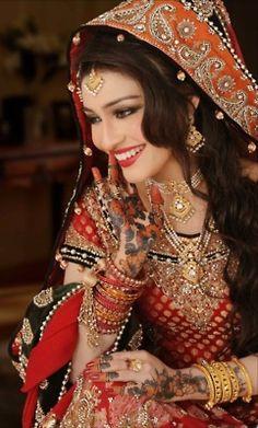 gorgeous *Bohemian Gypsy Look. Perfect Muslim Wedding
