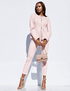 Zeigen Sie im Office Ihre softe Seite mit dem weichen Jerseyblazer und passender Stretchhose in zarten Nuancen.