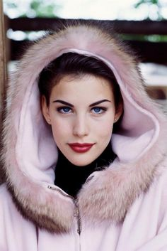liv tyler. you are so pretty. and you have beautiful eyes.