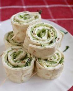 Deli Sandwiches, Sandwich Bar, Cucumber Sandwiches, Pinwheel Sandwiches, Rolled Sandwiches, Sandwich Cream, Antipasto, Donut Recipes, Cooking Recipes