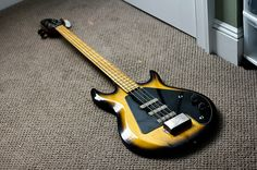1977 Gibson Grabber G-3 by Chris Blatchly, via Flickr