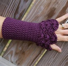 As we all know the season Winter is coming and in this season every lady desires to be looked fashionable and stylish, I think , all, are saying Yeah! Sure, we are talking about woolen, in fact let's focus on your lovely manicured palms and nails, and doll them up with grace, let's wear crochet gloves, shall we? Hang up those Gloves, you should make these designs very little work, as crochet gloves very less cumbersome, than the knitted counterparts as you look at them, many crochet gloves…