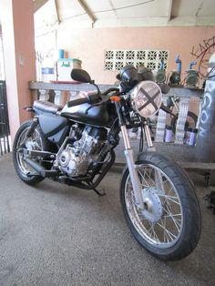 Kawasaki baja boxer ct 150 cafe racer Custom Bmw, Custom Bikes, Moto Bike, Motorcycle, Boxer, Concept, Scrambler, Helmets, Badass
