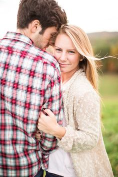 fall engagement pictures portraits mountains flannel rustic natural photos by Katelyn James Photography