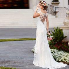 Deze prachtige #trouwjurk hebben wij gemaakt met een iets andere kanten rug benieuwd? Kom eens langs! #weirdcloset