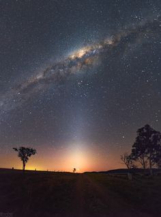 The bright light at the end of this country road is actually a remarkably close conjunction of two planets. After sunset on August 27 brilliant Venus and Jupiter almost appear as a single celestial beacon in the night skyscape taken near Lake Wivenhoe, Queensland, Australia. A spectacular vertical panorama from the southern hemisphere, it shows the central Milky Way near zenith, posed on top of a pillar of Zodiacal light along the ecliptic plane.