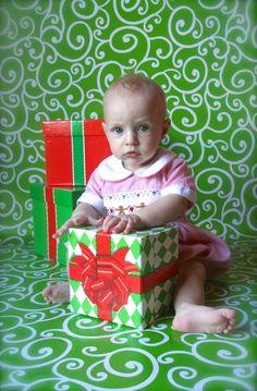 Christmas photos use wrapping paper as the backdrop christmas another wrapping paper backdrop from hobby lobby do it yourself christmas photos solutioingenieria Gallery