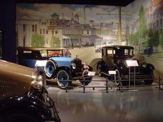 Not really into chocolate?  That's okay.  There are plenty of other things to do in Hershey.  The Antique Automobile Club of America Museum is full of entertainment for all ages.  They have cars, buses, motorcycles and more from the 1800s through 1970s.  They even have the bus from Forrest Gump!  Stop by and take your time to see all the wonderful nostalgia. - Suites at Hershey, Ascend Hotel Collection® #GoNative
