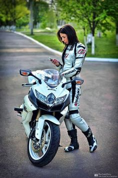 Women Riding Motorcycles Girls on Bikes Biker Babes Lady Riders Girls who ride rock TinkerTailor. Lady Biker, Biker Girl, Motorcycle Girls, Motorcycle Bike, Women Riding Motorcycles, Cb 1000, Chicks On Bikes, Zx 10r, By Any Means Necessary