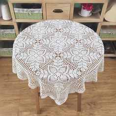 New crochet design hand crocheted square tablecloth, country living floral table cover, Chic pattern table topper Crochet Tablecloth Pattern, Crochet Doily Patterns, Thread Crochet, Filet Crochet, Crochet Designs, Crochet Doilies, Crochet Round, Hand Crochet, Mantel Redondo