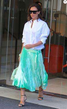 Victoria Beckham quitte son hôtel de New York le 13 septembre 2016.