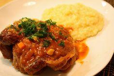 L'Ossobuco con piselli e carote con la ricetta spiegata passo passo su Blogo