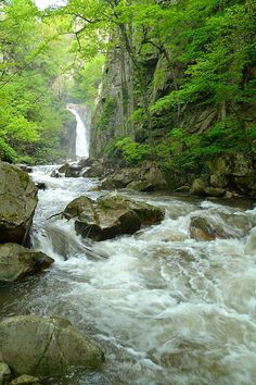 Muglizh Waterfalls