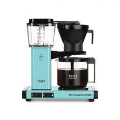 La cafetière Moccamaster®, pour la meilleure des extractions  Capacité : 1.25L - 10 tasses  Existe en plusieurs couleurs. Cafetiere, Drip Coffee Maker, Popcorn Maker, Grad, Turquoise, Products, Filter, Mugs, Colors