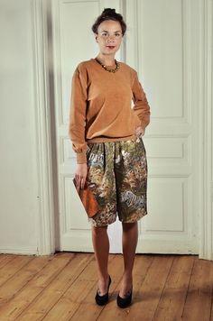 #brown velvet jumper - 15£ - SOLD; high waist #safari #shorts - 15£