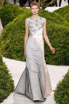 Dior Haute Couture SS 2013 – Vườn hoa cổ tích | Báo điện tử Kiến thức