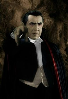 Bela Lugosi as Count Dracula. Classic Horror Movies, Iconic Movies, Vampire Pictures, Vampire Pics, Classic Hollywood, Old Hollywood, Lugosi Dracula, I Frankenstein, Hollywood Monsters