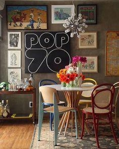 Sala de jantar cheia de estilo e referências pra você se inspirar.