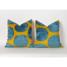 Set of 2 Hand Woven Pillow Lumbar Pillow Velvet Ikat Pillow Eclectic... (£88) ❤ liked on Polyvore featuring home, home decor, throw pillows, decorative pillows, grey, home & living, home décor, blue gray throw pillows, velvet accent pillows and lumbar throw pillow