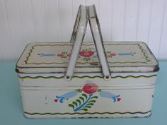 Vintage Pennsylvania Dutch Tulip Tin Metal Picnic Basket, Lunch Box, Sewing Basket, Storage Basket  - Vintage Travel Trailer and Home Decor