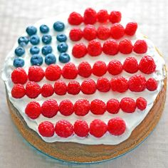 This American flag cheesecake recipe is a spin on a 4th of July dessert classic and also makes for a tasty Memorial Day Dessert.