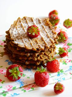Pizzelle tradition Abruzzo, these specialities are also known by different names, like ? (in Ortona), ? Italy Food, Mozzarella, Waffles, Biscuits, Bread, Traditional, Baking, Breakfast, Iron