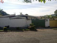 Se vende casa de 1 nivel para vivir u oficinas en Colonia Utila Santa Tecla US$ 225,000 EN VENTA