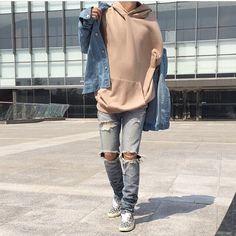 See this Instagram photo by @bestofstreetwear • 2,706 likes