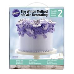 Ultimate Cake Decorating Kit Michaels : 1000+ images about CUPCAKE ICING on Pinterest Royal icing flowers, Buttercream roses and Royal ...