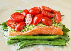 Made it - Phenomenal flavor! Pesto Salmon and Italian Veggies in Foil - Cooking Classy Healthy Salmon Recipes, Fish Recipes, Seafood Recipes, Paleo Recipes, New Recipes, Dinner Recipes, Cooking Recipes, Favorite Recipes, Summer Recipes