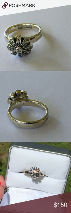 """Sterling Silver Flower Ring Designer flower and CZ ring, Hallmarked """"spinning"""" this ring is very unique. Size 6.5. Beautiful condition spinning Jewelry Rings"""