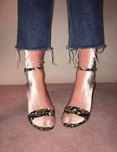 // Shiny Socks //