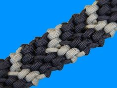 How to make a Chevron Sinnet Paracord Bracelet - YouTube