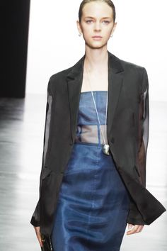 Jil Sander Spring 2021 Ready-to-Wear Collection - Vogue Fashion Week, Runway Fashion, Spring Fashion, Fashion Show, Womens Fashion, Fashion Trends, Ladies Fashion, London Fashion, Jil Sander