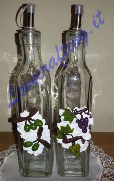 Bottiglia per olio e aceto con miniature in fimo