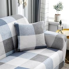 Unique la z boy couch covers for your cozy home Tiny Living Rooms, Cottage Living Rooms, Living Room Grey, Apartment Living, Table Decor Living Room, Living Room Decor Inspiration, Beautiful Sofas, Beautiful Living Rooms, Outdoor Furniture Covers