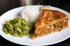 Surinaamse pastei 2 Dutch Recipes, Lamb Recipes, Oven Dishes, Tasty Dishes, Suriname Food, Latin American Food, Good Food, Yummy Food, Caribbean Recipes