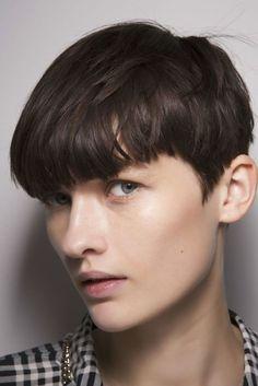 Come scelgo il taglio di capelli corti che mi sta bene? Lo spiega l'hairstylist