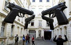 David Cerny: Guns