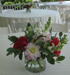 beautiful centerpiece, beautiful wedding flowers, Floral Artistry, Alison Ellis designer
